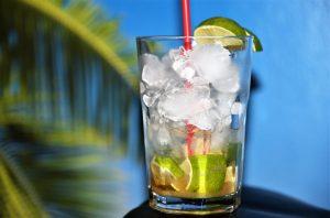 Caipirinha – der leckere Cocktail mit Limetten