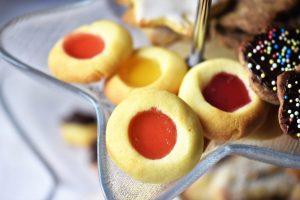Plätzchen mit Fruchtgummi schmecken vorzüglich