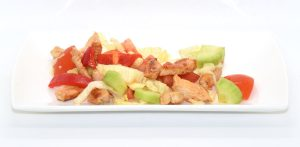 Salat mit Putenstreifen und Kräuter-Dressing ohne Öl
