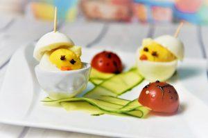 Küken aus Eiern + Marienkäfer aus Tomaten