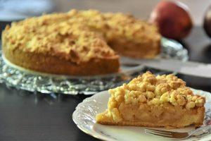 Apfel-Streuselkuchen für die Kaffeetafel