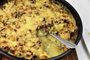 Auflauf mit Kohlrabi, Kartoffeln und Hackfleisch