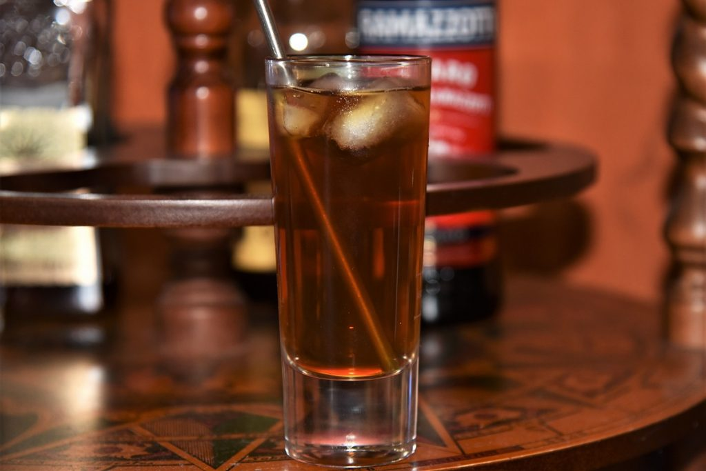 Gin Tonic mit Ramazzotti