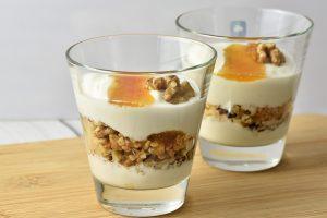 Griechischer Joghurt mit Walnüssen